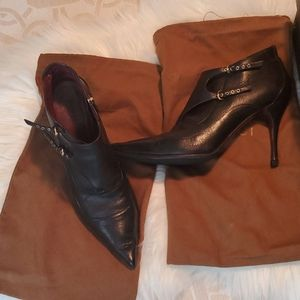 Auth Blk Gucci 9.5 High heel Leather Ankle Boots